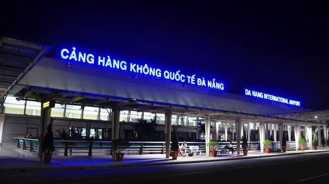 KTS Ngô Viết Nam Sơn đề nghị lãnh đạo Đà Nẵng học theo kinh nghiệm thế giới, phê duyệt quy hoạch sân bay chú ý tới mối liên kết với quy hoạch đô thị xung quanh.