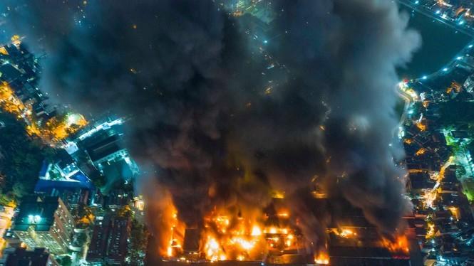 Các chuyên gia xác định có khoảng 15,1 - 27,2kg thủy ngân đã phát tán ra môi trường sau vụ cháy ở Công ty Rạng Đông.