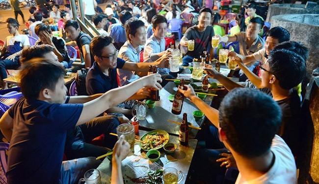 Hơn nửa số người dân Việt đang có chế độ ăn rất thiếu khoa học, gây ảnh hưởng trực tiếp đến sức khỏe bản thân và các thế hệ sau.