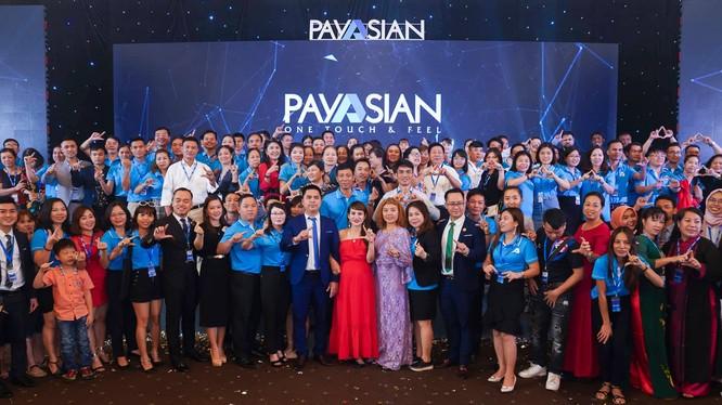 Các đối tác, khách hàng của Payasian có mặt tại lễ ra mắt ví điện tử này.