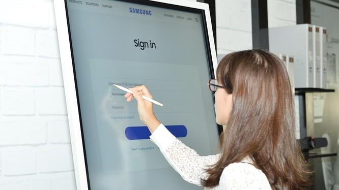 Samsung Flip 2 đem lại trải nghiệm viết và vẽ trực quan như bảng vật lý