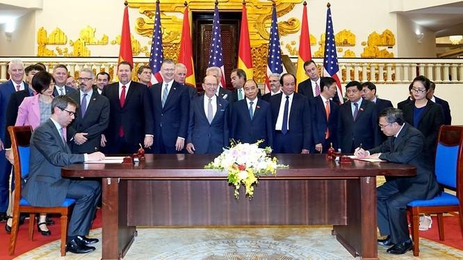 Lễ ký kết các thỏa thuận kinh doanh Hoa Kỳ và Việt Nam
