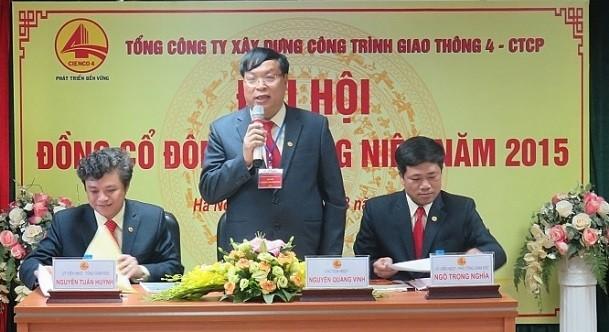 Ông Nguyễn Quang Vinh (giữa) (Ảnh: Cienco 4).