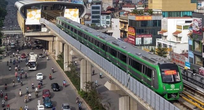 Chủ tịch Nguyễn Đức Chung cho biết, mấy ngày qua, Công ty Vận hành đường sắt đô thị Hà Nội đã vận hành chạy 5 ngày liền. Sau chạy thử 20 ngày thì mới nghiệm thu.