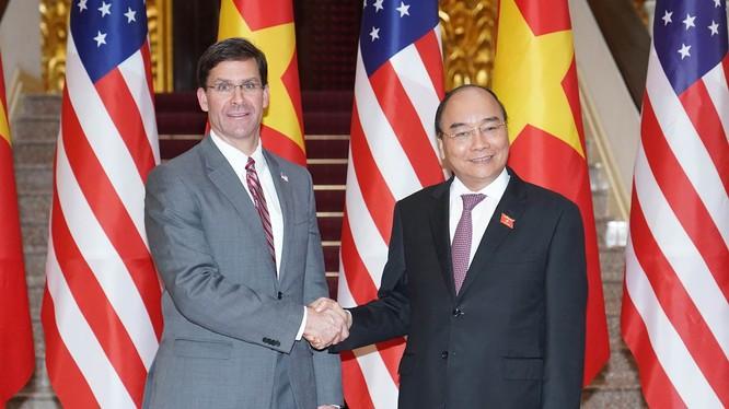 Thủ tướng Nguyễn Xuân Phúc tiếp Bộ trưởng Quốc phòng Hoa Kỳ Mark Esper.