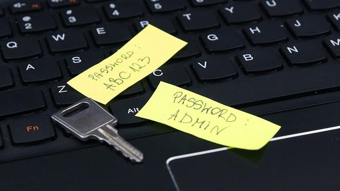 Rò rỉ dữ liệu có thể bắt nguồn từ những bất cẩn không đáng có của người dùng. Ảnh: AFP