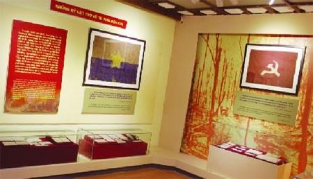 """Gian trưng bày những hiện vật trở về từ bên kia chiến tuyến tại Triển lãm """"Ký ức chiến tranh"""" tháng 6/2016. Nguồn: Sự kiện và nhân chứng-QĐND"""