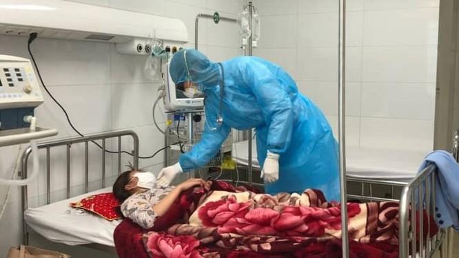 Người mắc virus Corona mới sẽ được hưởng đầy đủ chế độ về bảo hiểm y tế theo quy định. Ảnh: Sức khỏe và Đời sống