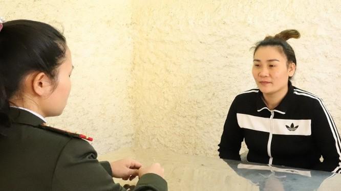 """Bị can Nguyễn Thị Thúy Hòa bị khởi tố về tội """"Tổ chức, môi giới người khác trốn đi nước ngoài hoặc ở lại nước ngoài trái phép"""". Ảnh: CA Hà Tĩnh"""