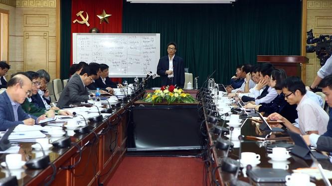 Phó Thủ tướng Vũ Đức Đam cho rằng Việt Nam đã chính thức bước vào giai đoạn 2 của cuộc chiến phòng, chống dịch COVID-19 khi ca bệnh thứ 17 xuất hiện. Ảnh: VGP.
