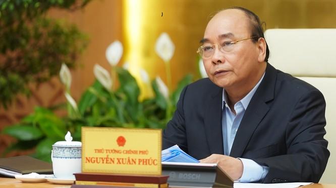 Thủ tướng Nguyễn Xuân Phúc phát biểu tại cuộc họp. Ảnh: VPCP.