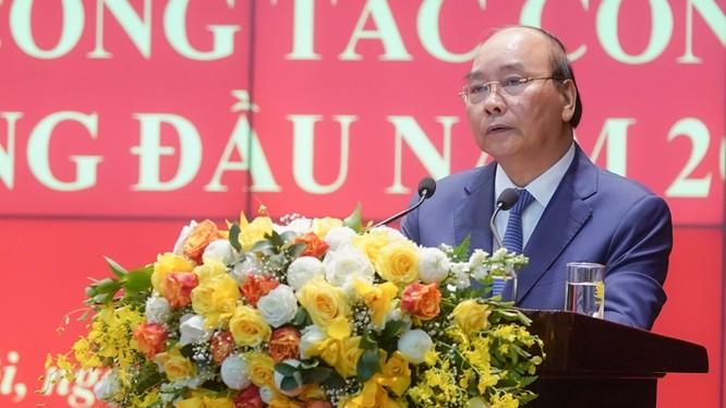 Thủ tướng Nguyễn Xuân Phúc phát biểu tại Hội nghị sơ kết công tác Công an 6 tháng đầu năm 2020. Ảnh: VGP.