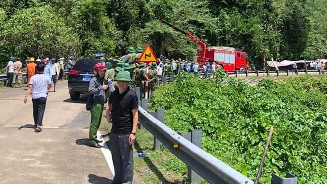 Vụ việc khiến 9 người tử vong tại hiện trường và 4 người tử vong tại bệnh viện; 27 người bị thương đang được cấp cứu tại Bệnh viện Việt Nam Cuba Đồng Hới, Quảng Bình. Ảnh: Fb Dương Sông Lam.