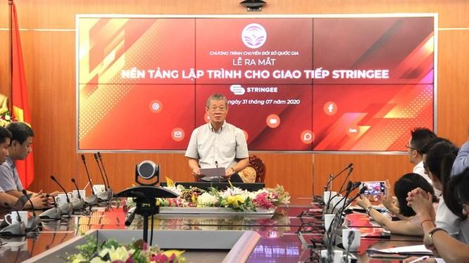 Thứ trưởng Bộ TT&TT Nguyễn Thành Hưng tại lễ ra mắt Nền tảng lập trình cho giao tiếp Stringee.