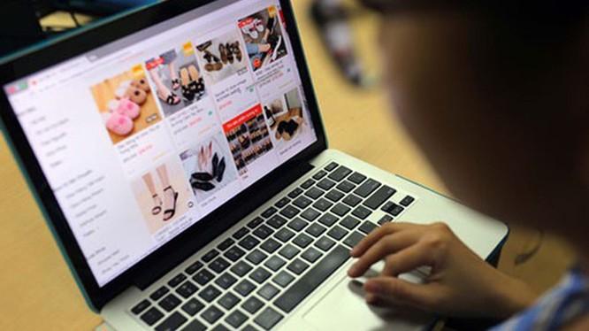 Tiêu dùng online đang trở thành xu hướng tại Việt Nam nửa đầu năm 2020. Ảnh minh họa: Bộ Công thương.