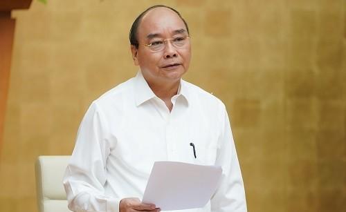 Thủ tướng Nguyễn Xuân Phúc phát biểu tại hội nghị giao ban trực tuyến với các bộ, ngành, địa phương. Ảnh: VGP.