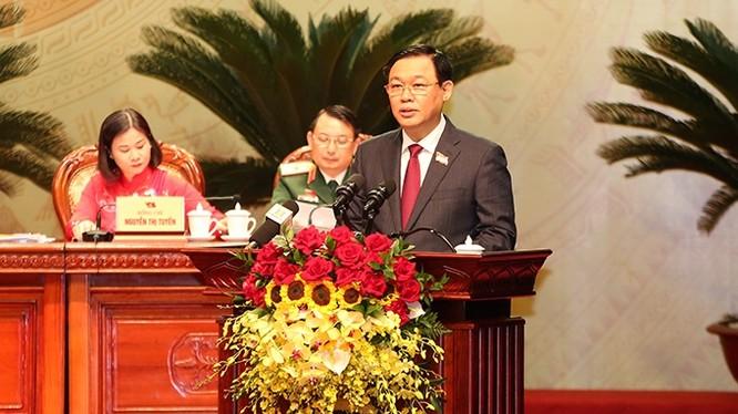 Ông Vương Đình Huệ tiếp tục được bầu giữ chức Bí thư Thành ủy Hà Nội với số phiếu tuyệt đối. Ảnh: UBND TP. Hà Nội