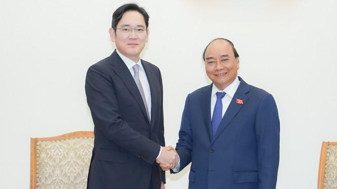 Thủ tướng Nguyễn Xuân Phúc tiếp ông Lee Jae Yong, Phó Chủ tịch Tập đoàn Samsung. Ảnh VGP.