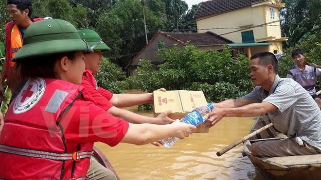 Nhiều gia đình mắc kẹt do mưa lũ cần ứng cứu khẩn cấp nhưng không có đầy đủ thông tin về các đội cứu hộ. Ảnh minh hoạ: Báo Quảng Bình.