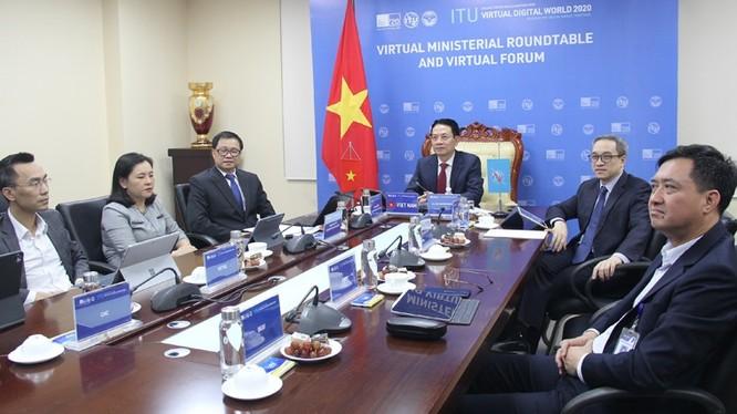 Từ đầu cầu Việt Nam, lãnh đạo Bộ TT&TT cam kết sẽ sẵn sàng hỗ trợ, đồng hành cùng ITU và các nước thành viên xây dựng thế giới số.