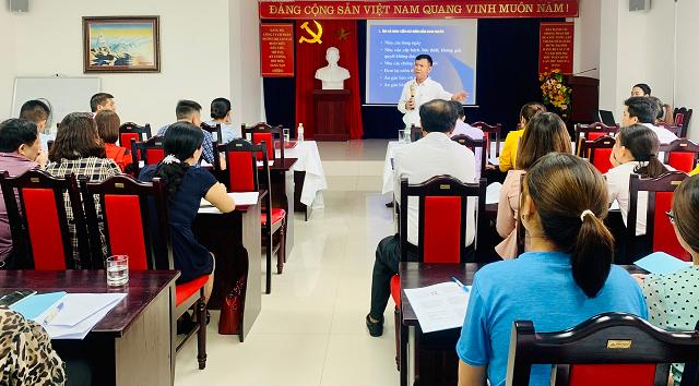 TS.BS. Cao Văn Trung – Giảng viên lớp tập huấn.