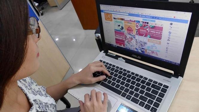Nhằm đối phó với dịch bệnh, các mô hình kinh doanh truyền thống đều đẩy mạnh kênh bán hàng online hơn trước. Ảnh minh hoạ: Cục TMĐT và kinh tế số - Bộ Công thương.