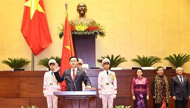 Tân Chủ tịch Quốc hội Vương Đình Huệ tuyên thệ nhậm chức.
