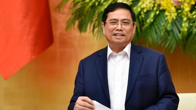 Thủ tướng Phạm Minh Chính yêu cầu, lấy người dân, doanh nghiệp là trung tâm phục vụ.