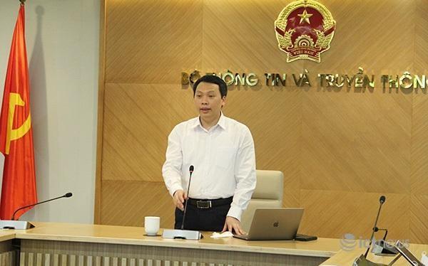 Thứ trưởng Nguyễn Huy Dũng chủ trì cuộc họp từ điểm cầu Bộ TT&TT - 18 Nguyễn Du (Hà Nội)