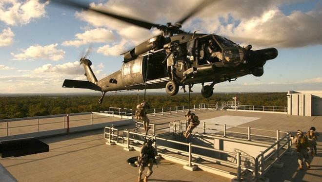 Bất chấp các yếu tố ngoài kiểm soát, kỹ năng hoàn hảo của thành viên Đội 6 Đặc nhiệm Hải quân Mỹ (SEAL 6) vẫn giúp họ kết thúc nhiệm vụ tiêu diệt Osama bin Laden (Ảnh TL)