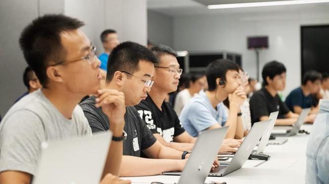 """Dự án Phát hành Báo cáo """"Toàn cảnh Đổi mới sáng tạo mở Việt Nam 2021"""" chính thức khởi động hôm nay (31/8)."""