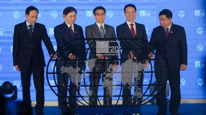 Hội nghị và triển lãm Thế giới số 2020 (ITU Digital World) cũng được tổ chức theo hình thức trực tuyến. Đây là sự kiện quy mô toàn cầu do Liên minh Viễn thông thế giới và Việt Nam đồng tổ chức.