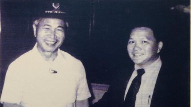 Ông Tôn Lâm gặp cố Phó Chủ tịch HĐBT kiêm Ngoại trưởng Nguyễn Cơ Thạch năm 1988