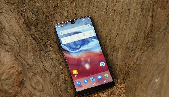 Essential Phone sẽ được cập nhật Android 8.0 Oreo trong 1 hoặc 2 tháng tới (ảnh: Phone Arena)