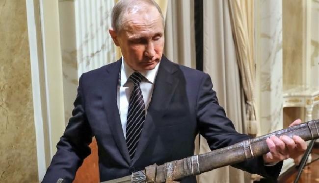 Kremlin nghiêm khắc cảnh cáo Washington trợ giúp khủng bố ở Syria (ảnh: Russia Insider)