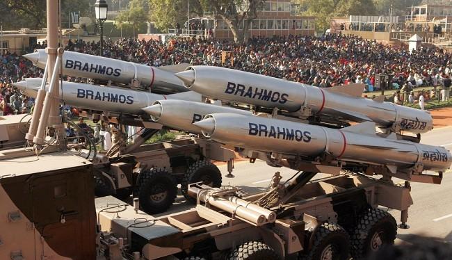 Tên lửa hành trình siêu thanh BrahMos do Ấn Độ và Nga hợp tác sản xuất. Ảnh: National Interest