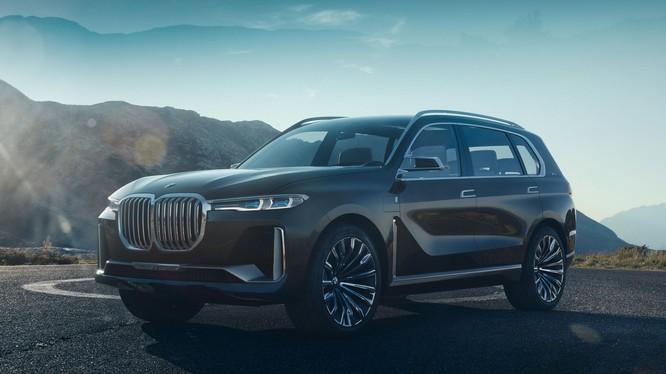 Xe hơi BMW trong tương lai có thể không cần đến chìa khóa xe. (Ảnh: CNET)