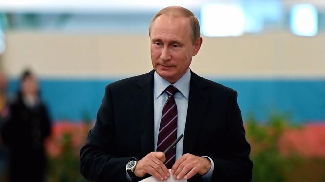Tổng thống Putin đã thông qua luật yêu cầu các công ty nước ngoài lưu trữ dữ liệu người dùng ở máy chủ trong nước vào năm 2014. (Ảnh: Business Insider)