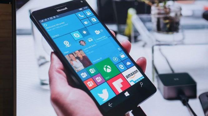 Microsoft đã tiết lộ rằng, đại gia phần mềm không còn phát triển tính năng mới hay phần cứng mới cho Windows 10 Mobile nữa. (Ảnh: CNET)