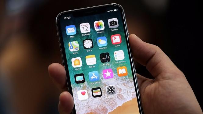 iPhone SE được xem như chiếc smartphone phiên bản Honda Civic (Ảnh: Business Insider)