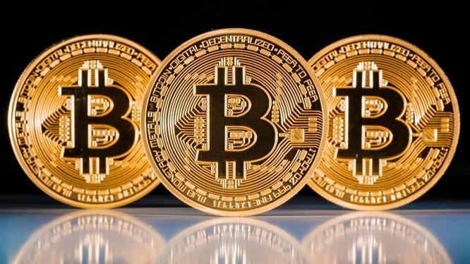 Didi Taihuttu, bố của 3 đứa trẻ, đã bán sạch tài sản, nhà, xe để đầu tư vào bitcoin (Ảnh: Cryptocoinsnews)