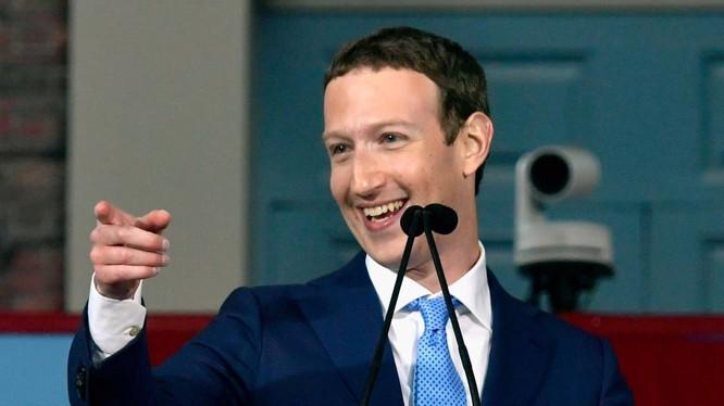 Mark Zuckerberg dành 50-60 giờ mỗi tuần ở văn phòng Facebook, nhưng anh liên tục nghĩ về Facebook, cả khi không ở văn phòng (Ảnh: Business Insider)
