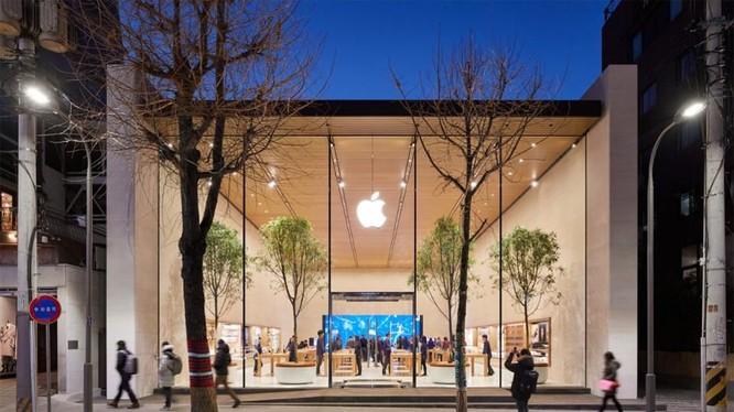Apple Garosugil, cửa hàng chính thức đầu tiên của Apple tại Hàn Quốc đã khai trương vào ngày 26/1. Hàng ngàn khách hàng đã chờ đợi trong nhiệt độ đóng băng để vào cửa hàng Apple Store đầu tiên (Ảnh: Apple)