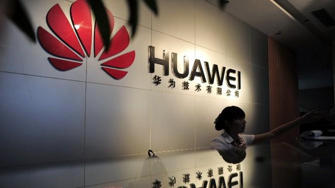 """Australia tuyên bố các nhà cung cấp thiết bị mạng """"có khả năng chịu sự lãnh đạo của các chính phủ nước ngoài"""" sẽ khiến mạng lưới di động Úc dễ tổn thương, dễ bị can thiệp trái phép hoặc truy cập trái phép. (Ảnh: Reuters)"""