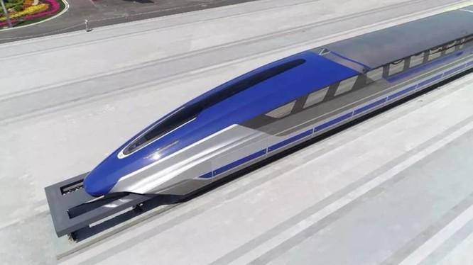 Cận cảnh phiên bản nguyên mẫu tàu đệm từ siêu tốc của Trung Quốc (Ảnh: AP)