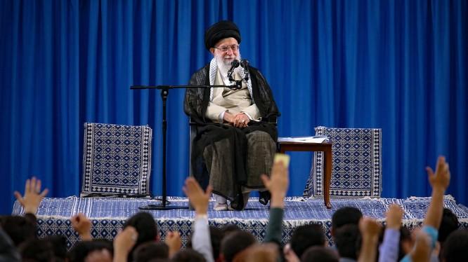 Lãnh đạo tối cao Iran khẳng định rằng nước này không đàm phán với Mỹ (Ảnh: NYTimes)