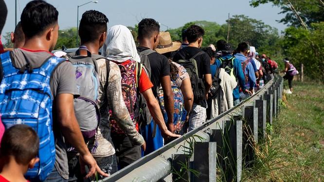 Dòng người di cư đổ tới Mỹ khiến chính quyền Trump phẫn nộ (ảnh: Fox News)