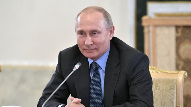 Tổng thống Putin cảnh báo Nga sẽ rút hoàn toàn khỏi hiệp ước New START (Ảnh: AFP)