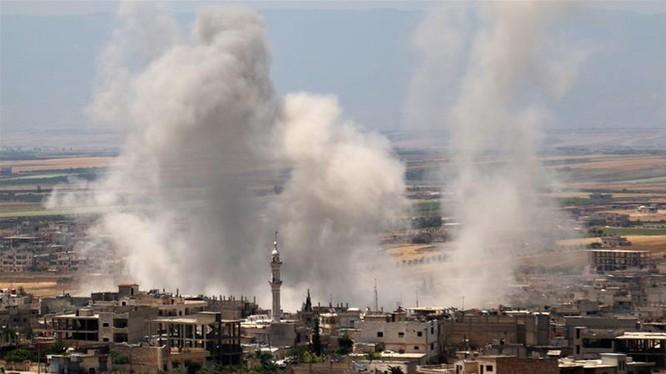 Quân đội Syria và Nga đã tăng cường các cuộc không kích nhằm vào khu vực Tây Bắc Syria trong những tuần gần đây (Ảnh: AFP)