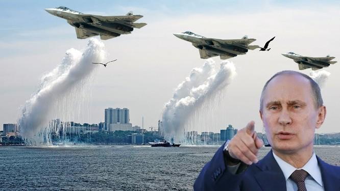 Tổng thống Putin từng nói Su-57 là mẫu máy bay quân sự tốt nhất thế giới (Ảnh: AP)